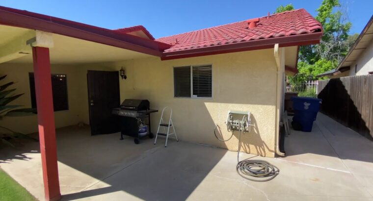 Bakersfield Houses for Hire 3BR/2BA by Property Managers in Bakersfield