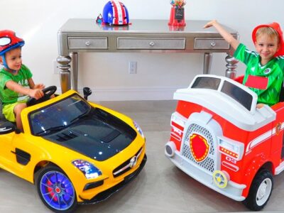 Vlad and Nikita present automobiles toys in new residence
