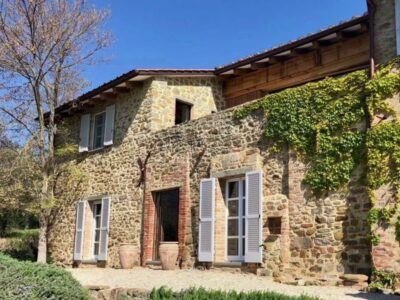 Excellent Property For Sale in Lake Trasimeno Italy