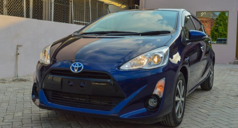 Toyota Aqua S Hybrid Evaluate – Why This Automobile Sells Too A lot? – Value In Pakistan – Specs & Options